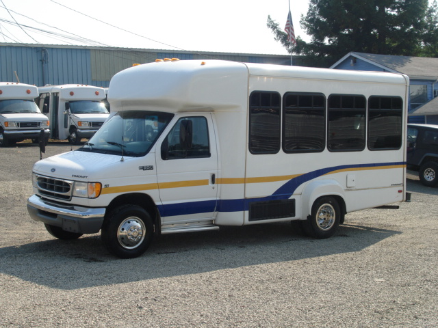 Friendly Ford Las Vegas >> 2001 Ford-E-350 Starcraft Bus For Sale