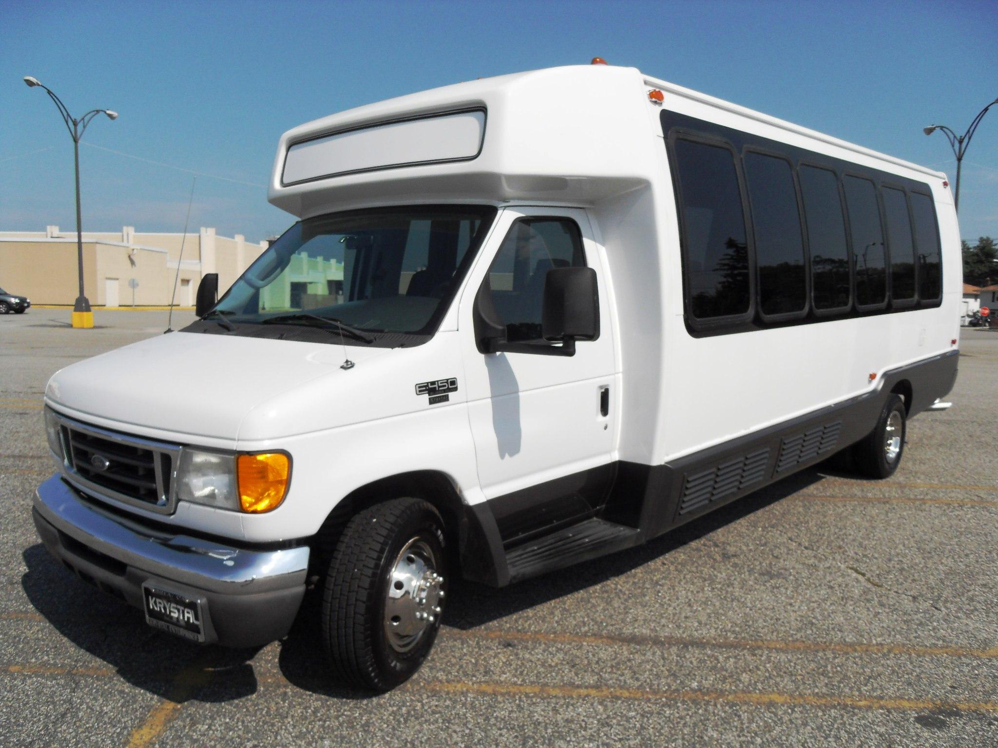 e450 shuttle bus mpg