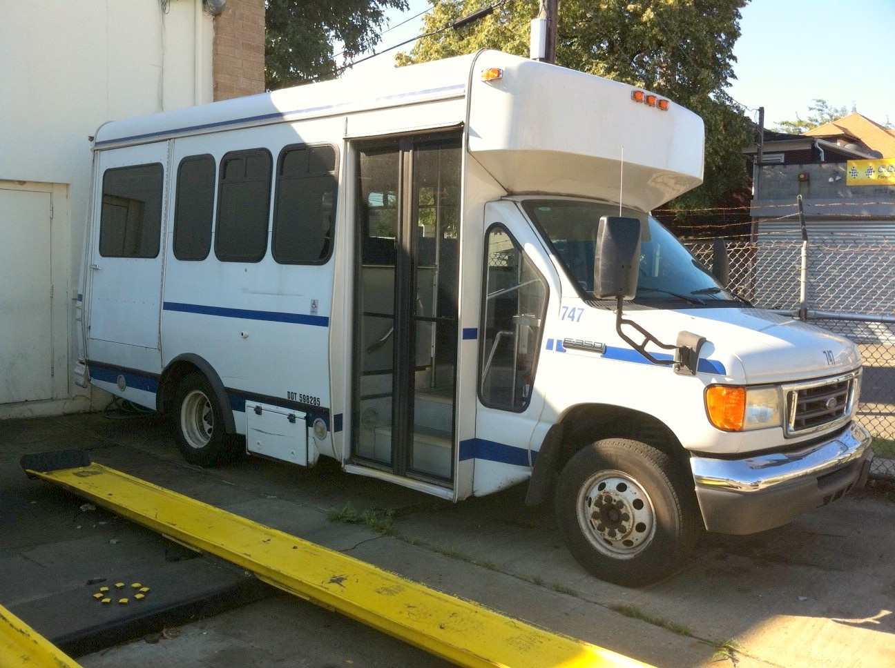 2006 ford e 350 bus for sale